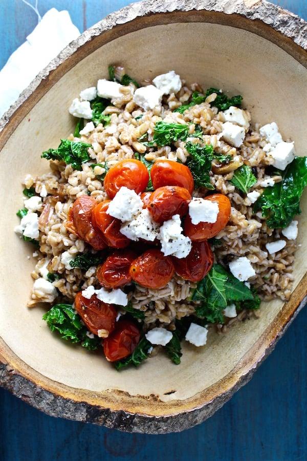 mediterranean kale and farro salad