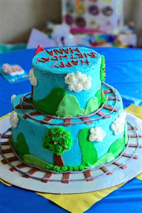 thomas the train birthday cake 1