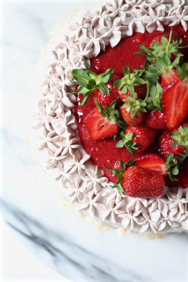 strawberry cake starwberry buttercream overhead