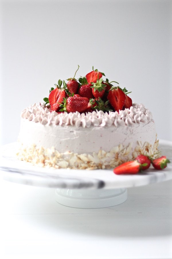 strawberry cake strawberry buttercream