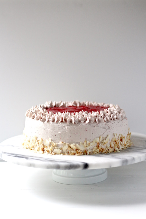 strawberry cake with strawberry sauce