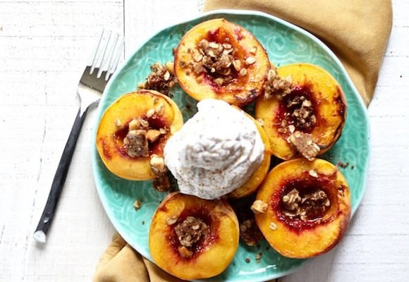 Vegan peaches and coconut cream with coconut oil macadamia nut crumble!