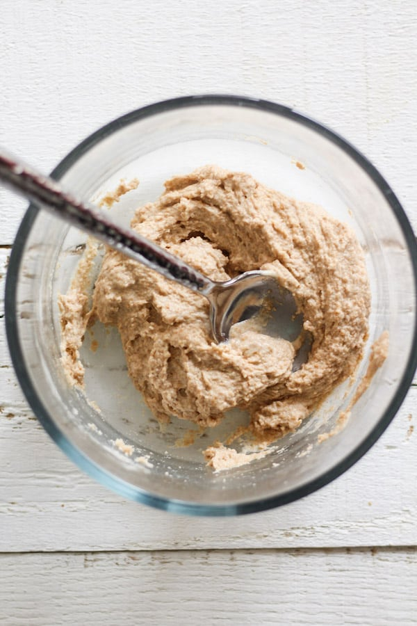 Feeding a sourdough starter with spelt flour