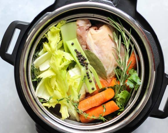 """HOW """"THE BONE BROTH DIET"""" HELPS YOU SHED POUNDS & LOSE WRINKLES ACCORDING TO DR. KELLYANN PETRUCCI"""