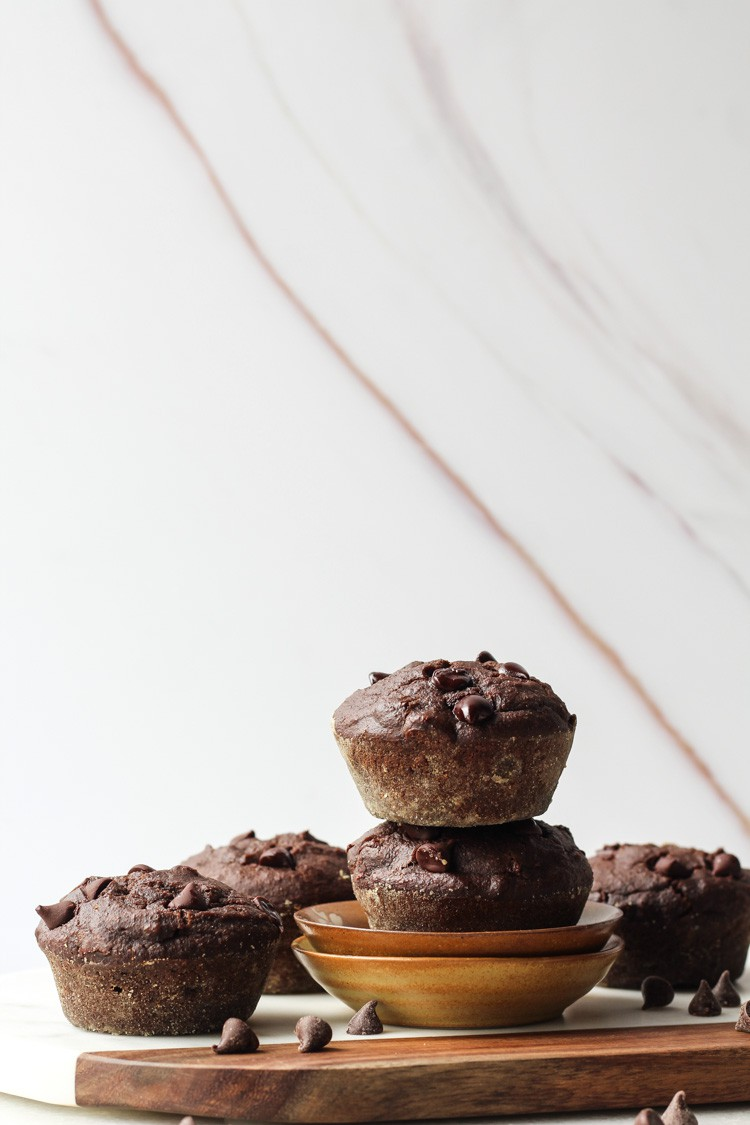 Easy Healthy Chocolate Chip Muffins with Banana, Gluten Free #chocolatechip #chocolatemuffins #glutenfree
