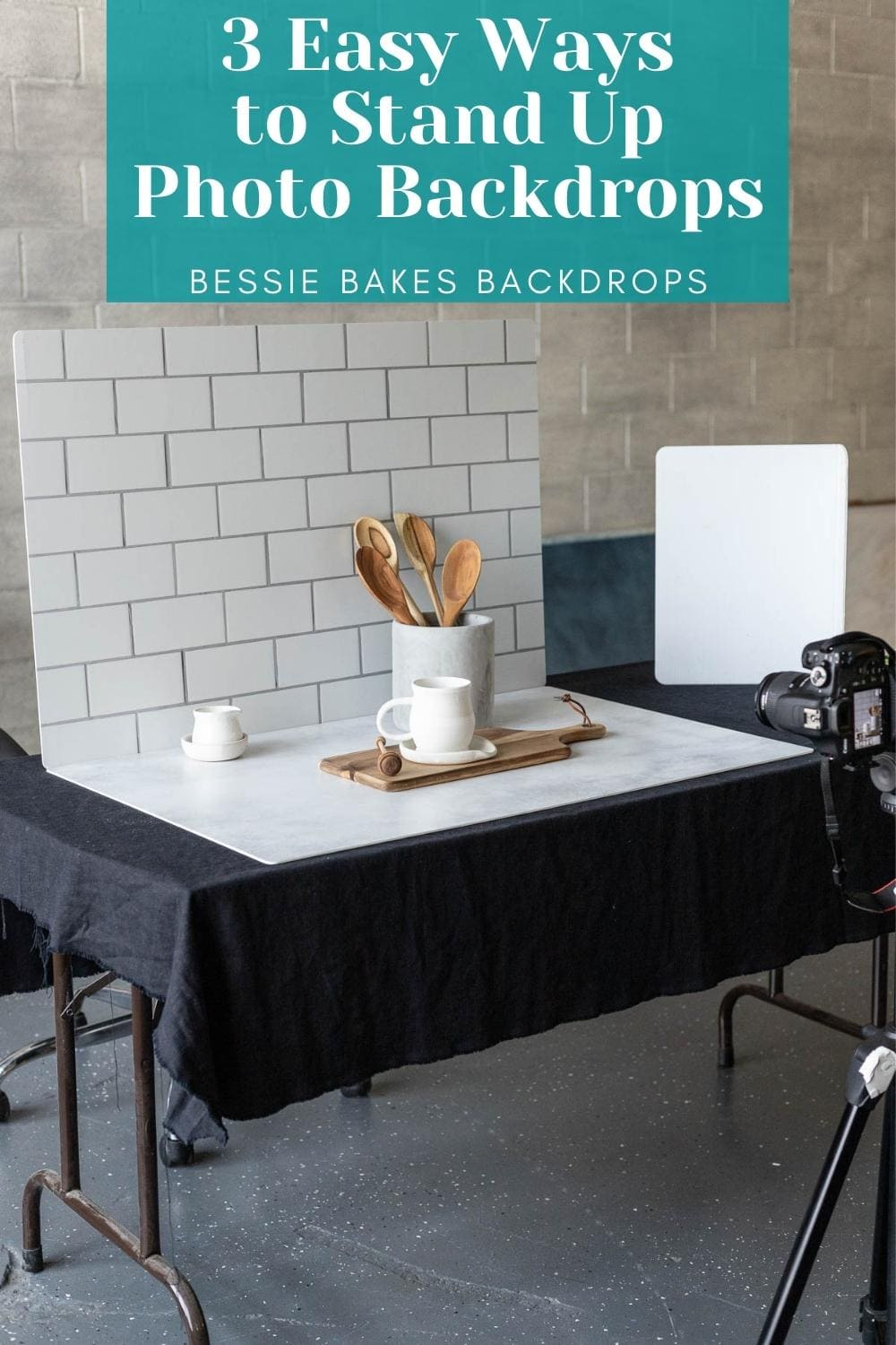 3 Easy ways to stand up photography backdrops via @bessiebakes